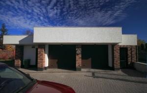 Проект дома с плоской кровлей, панорамными окнами и террасами - проект Эбро, хоз. блок с топочной и гаражом