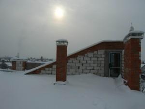 Устройство плоской эксплуатируемой кровли современного дома с плоской кровлей, панорамными окнами и террасами, проект Эбро-400, зима 2012 года