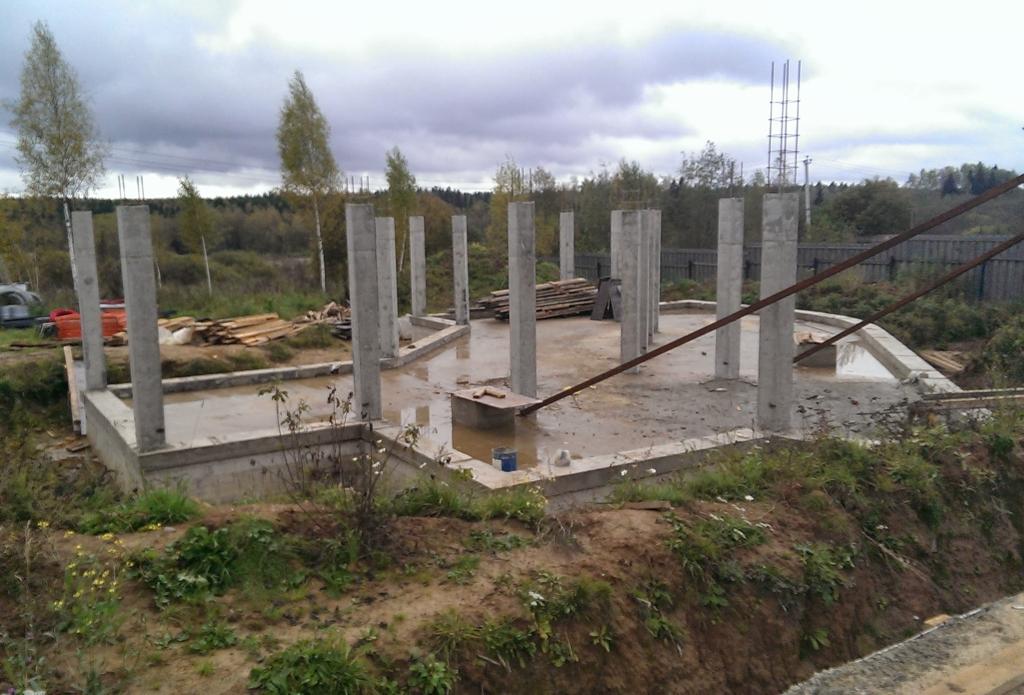 Проект дома с плоской кровлей, панорамными окнами и террасами - проект Эбро, монолитный железобетонный каркас